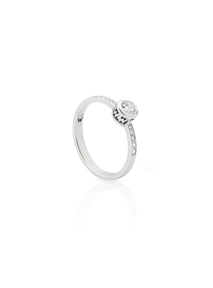 WESSELTON W-ORBIT SOLITAIRE RING WHITE GOLD WITH PAVE-001