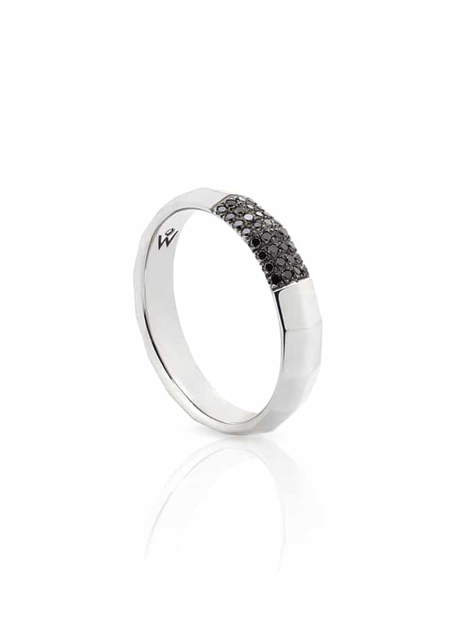 ANELL W-FACETT OR BLANC I DIAMANTS NEGRES-001